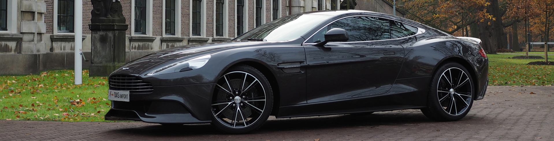 1.-Aston-Martin-Vanquish-20131