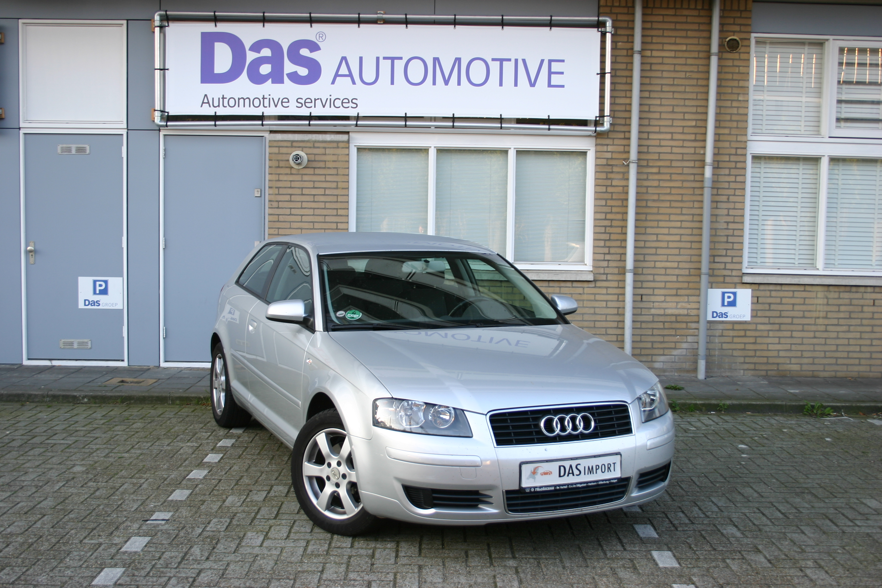 Importauto: Audi A3 2.0 FSI Attraction 7/2003