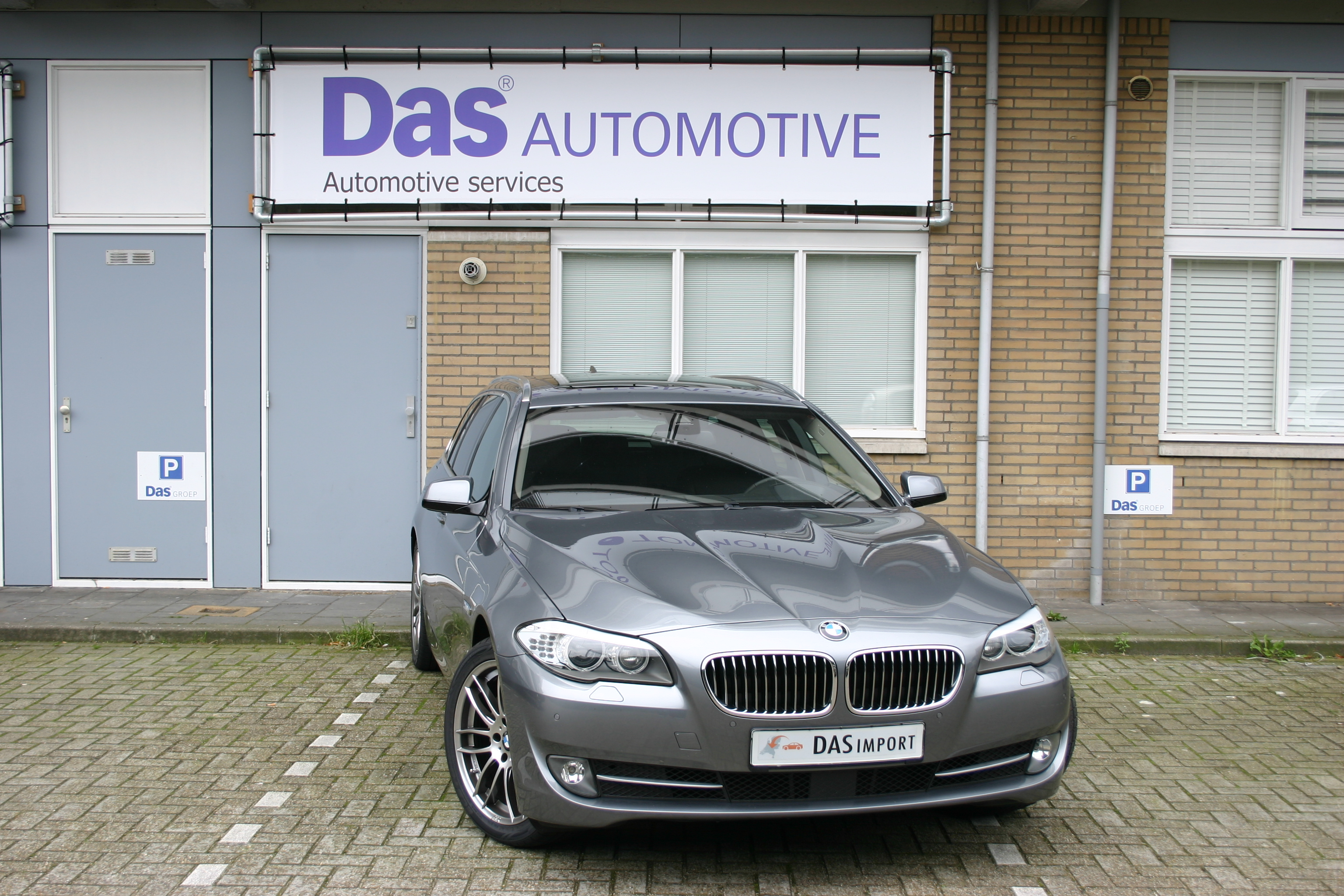 Importauto: BMW 520D Touring 1/2012