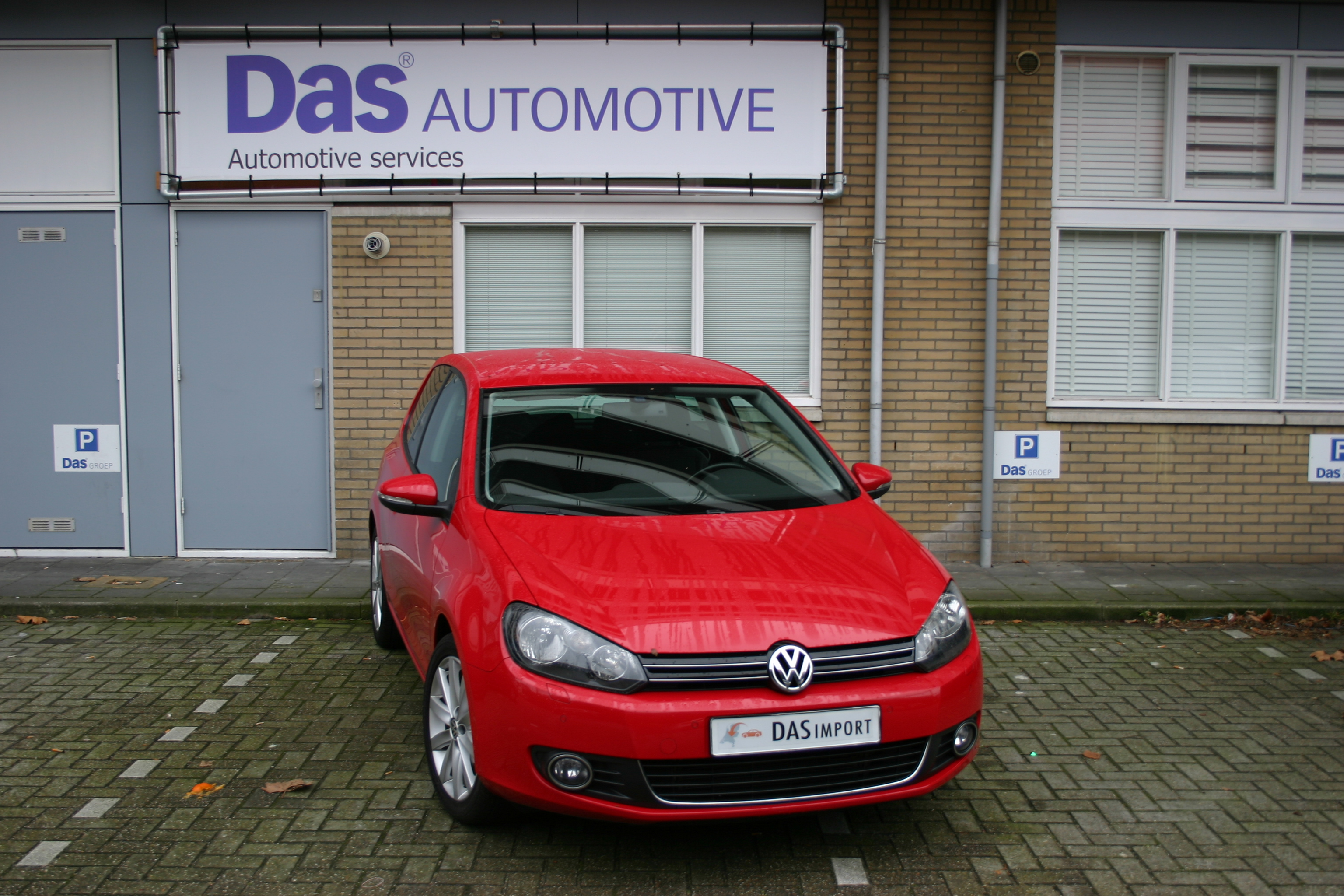 Importauto: Volkswagen Golf VI Diesel 1.6 TDI Highline 4/2010