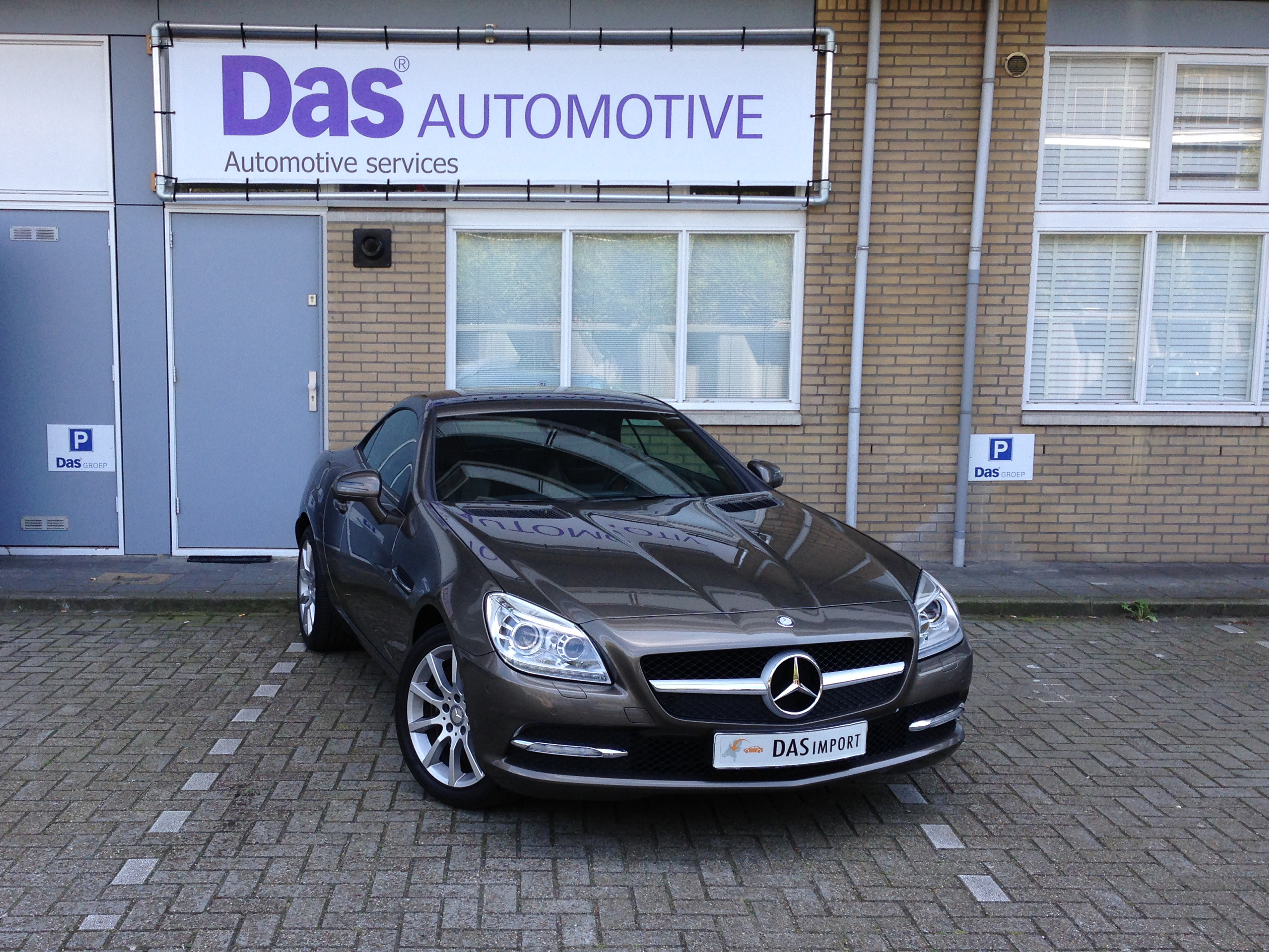 Importauto: Mercedes-Benz SLK 350 BlueEFFICIENCY Aut. 9/2011