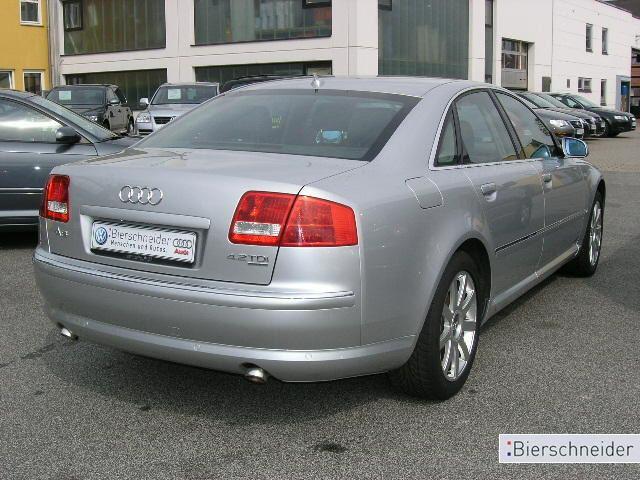Importauto: Audi A8 4.2 TDI 11/2005