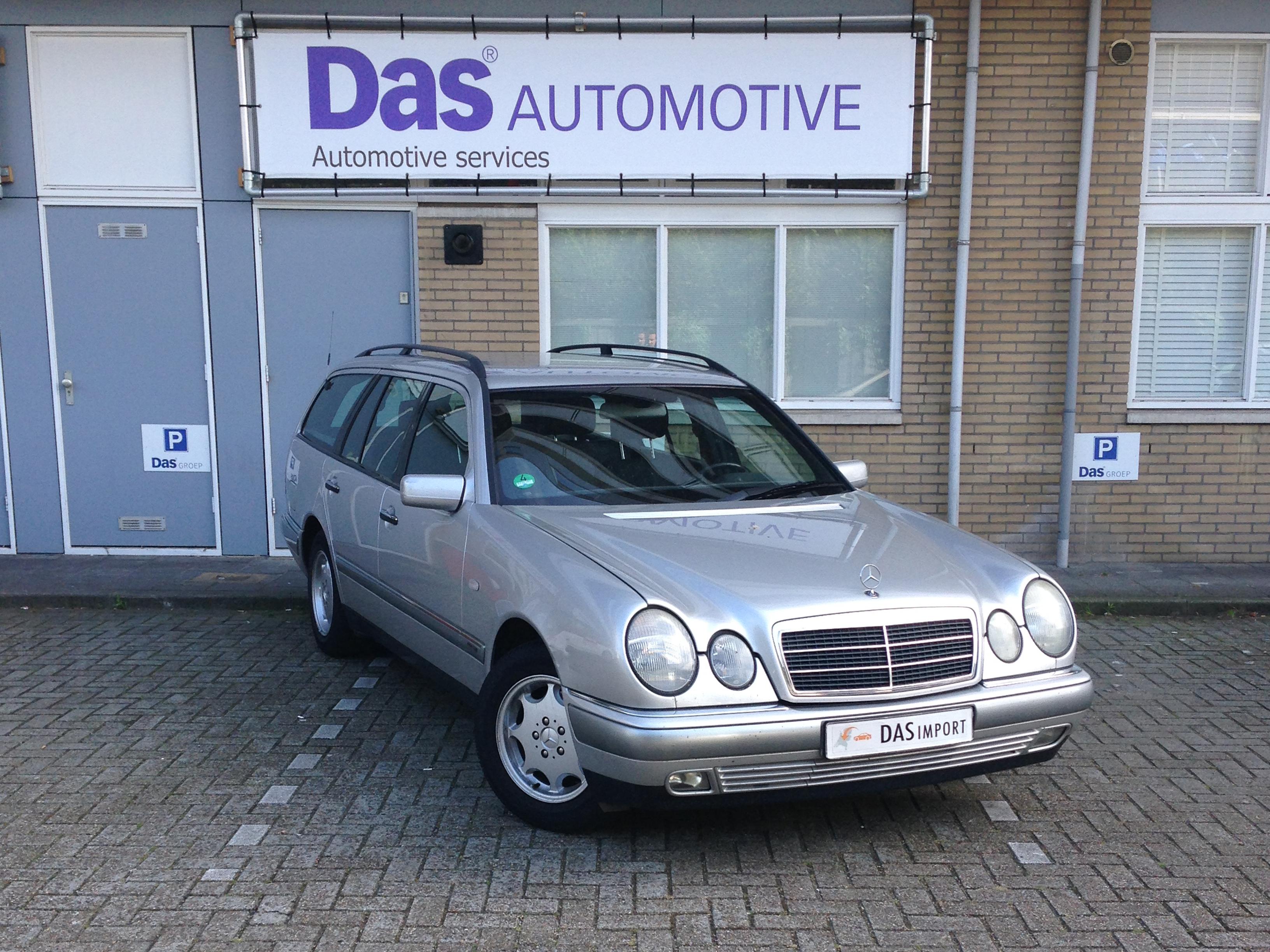 Importauto: Mercedes-Benz E-klasse Combi 240 Elegance 3/1998