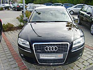 Importauto: Audi A8 4.2 TDI 2/2006
