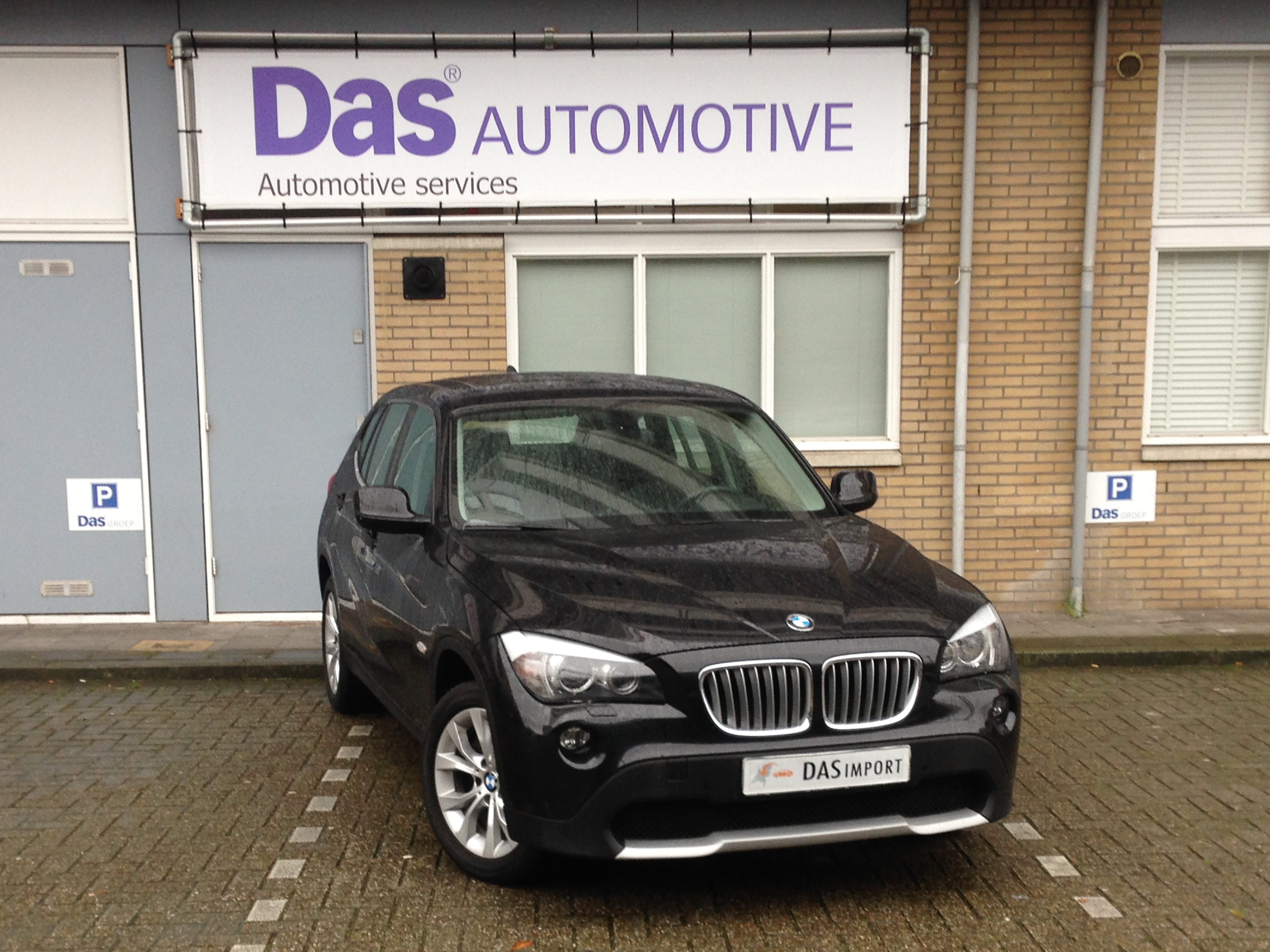 Importauto: BMW X1 xDrive28iA 5/2011
