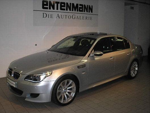 Importauto: BMW M5 4/2005