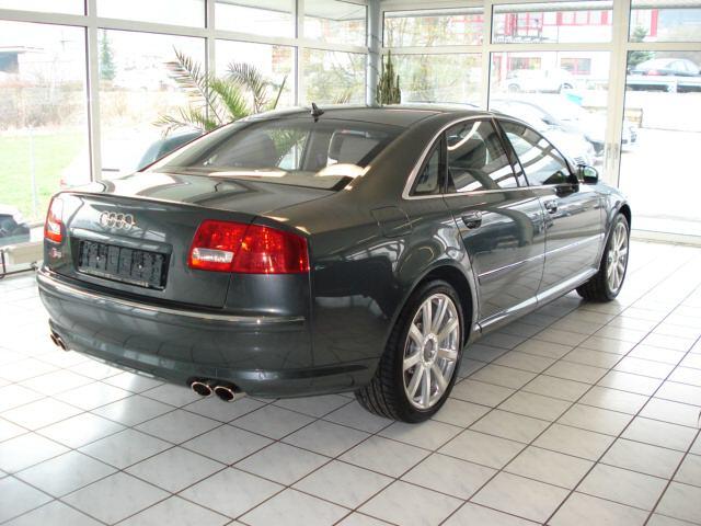Importauto: Audi S8 5.2 FSI quattro 2/2007