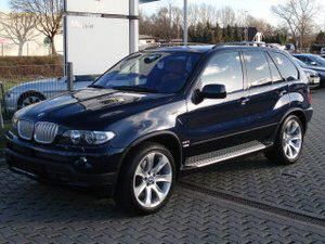 Importauto: BMW X5 4.8i 9/2006