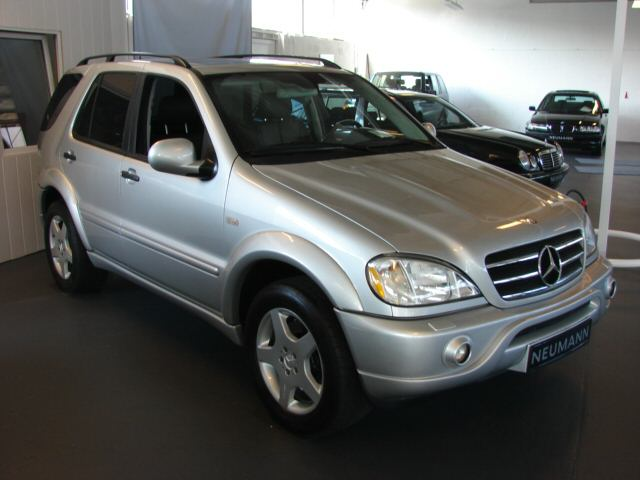 Importauto: Mercedes-Benz ML 55 AMG 12/2001