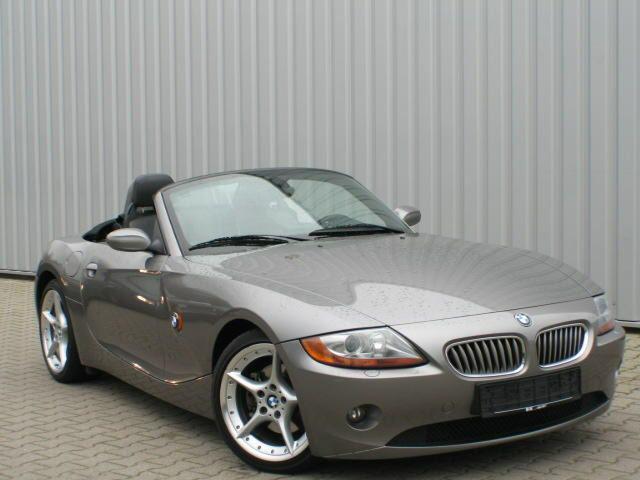 Importauto: BMW Z4 3.0i Roadster 6/2003