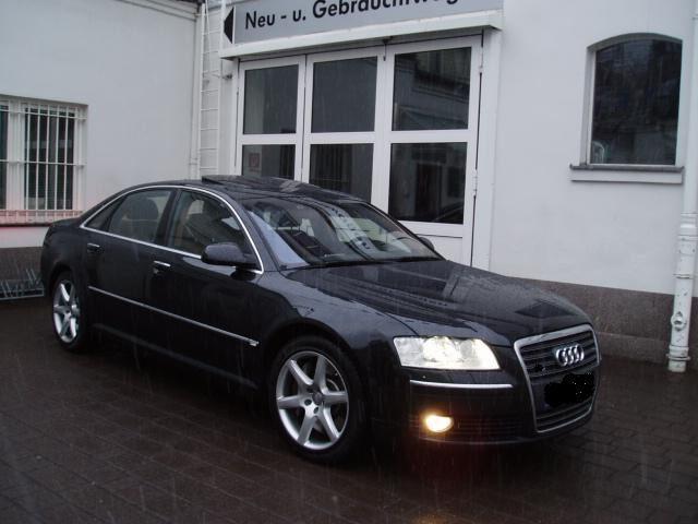 Importauto: Audi A8 4.2 TDI DPF quattro Nieuwprijs €178000,- 4/2006