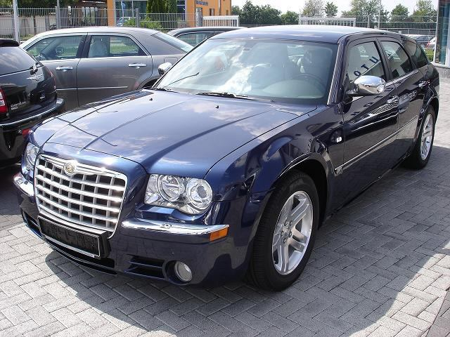 Importauto: Chrysler 300 3.0 CRD 4/2006