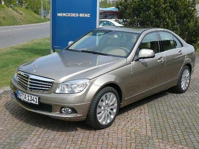 Importauto: Mercedes-Benz C 220 CDI DPF Elegance 4/2007