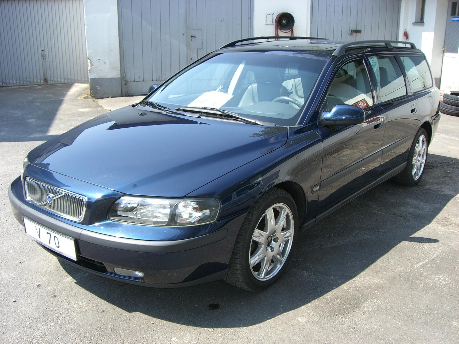 Importauto: Volvo V70 2.4T 5/2002