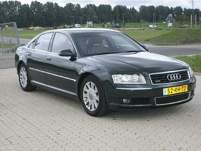 Importauto: Audi A8 4.2 quattro 4/2003