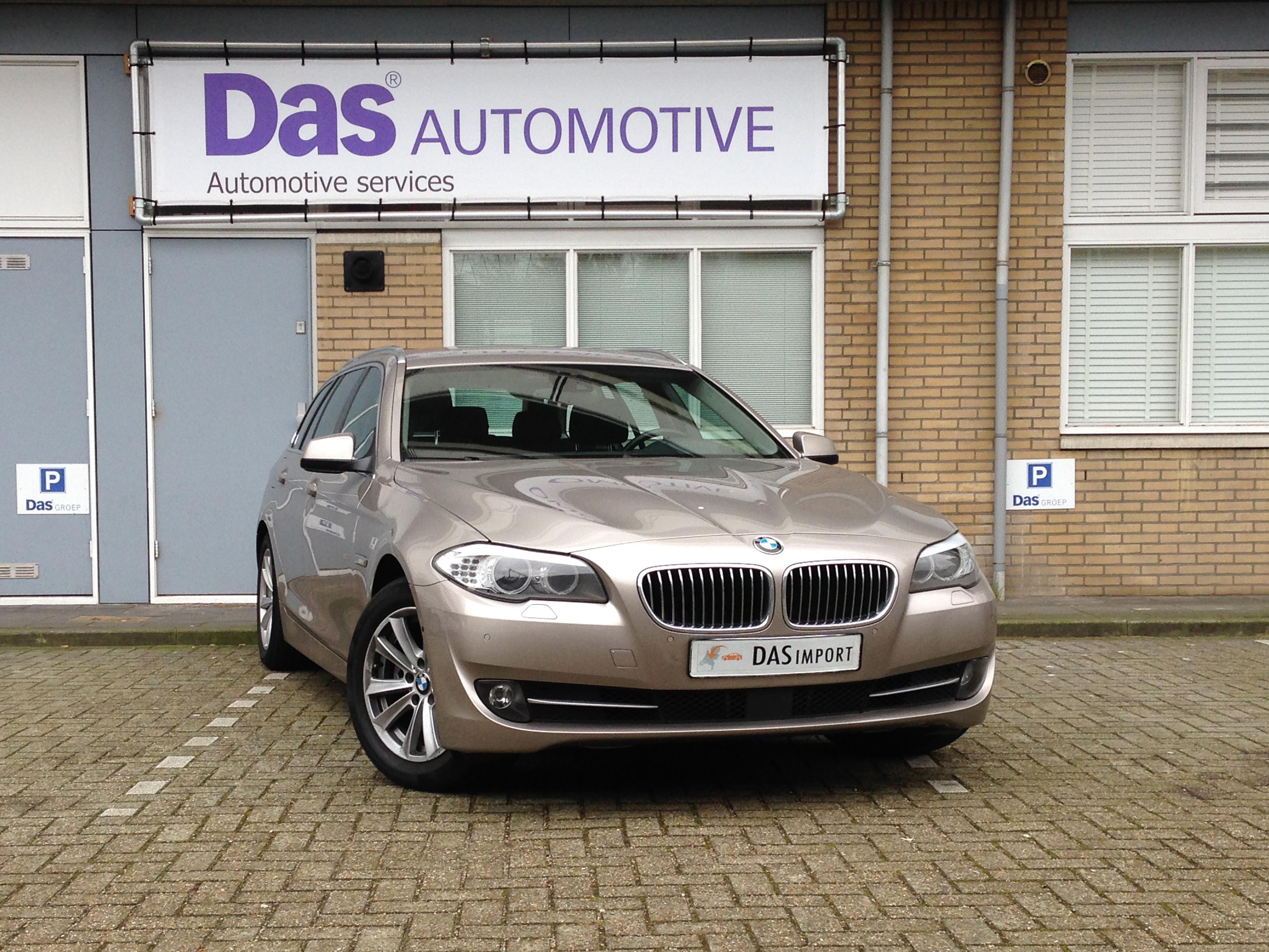 Importauto: BMW 523iA Touring 8/2011