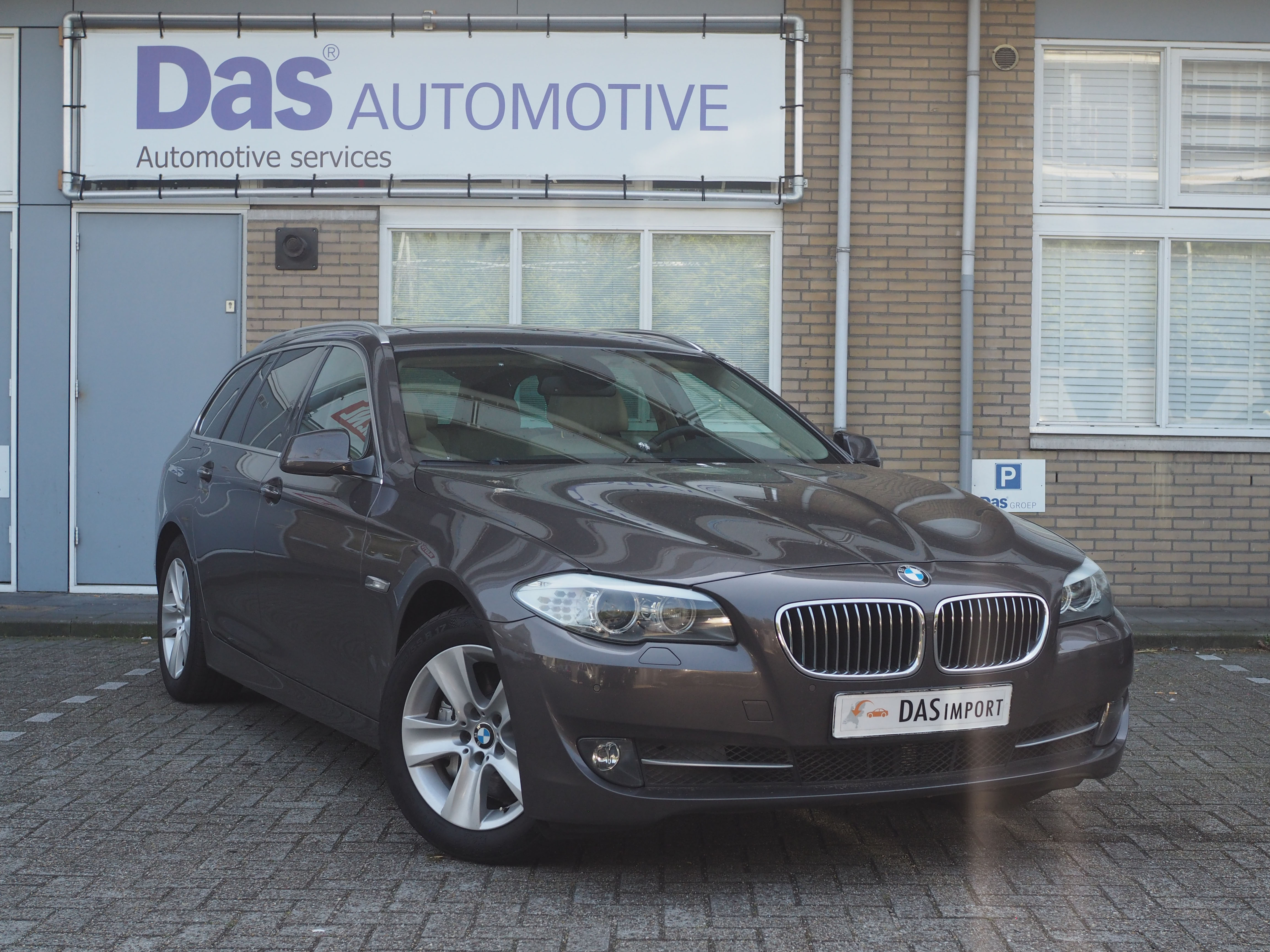 Importauto: BMW 5-Serie Touring Diesel 530dA 6/2011