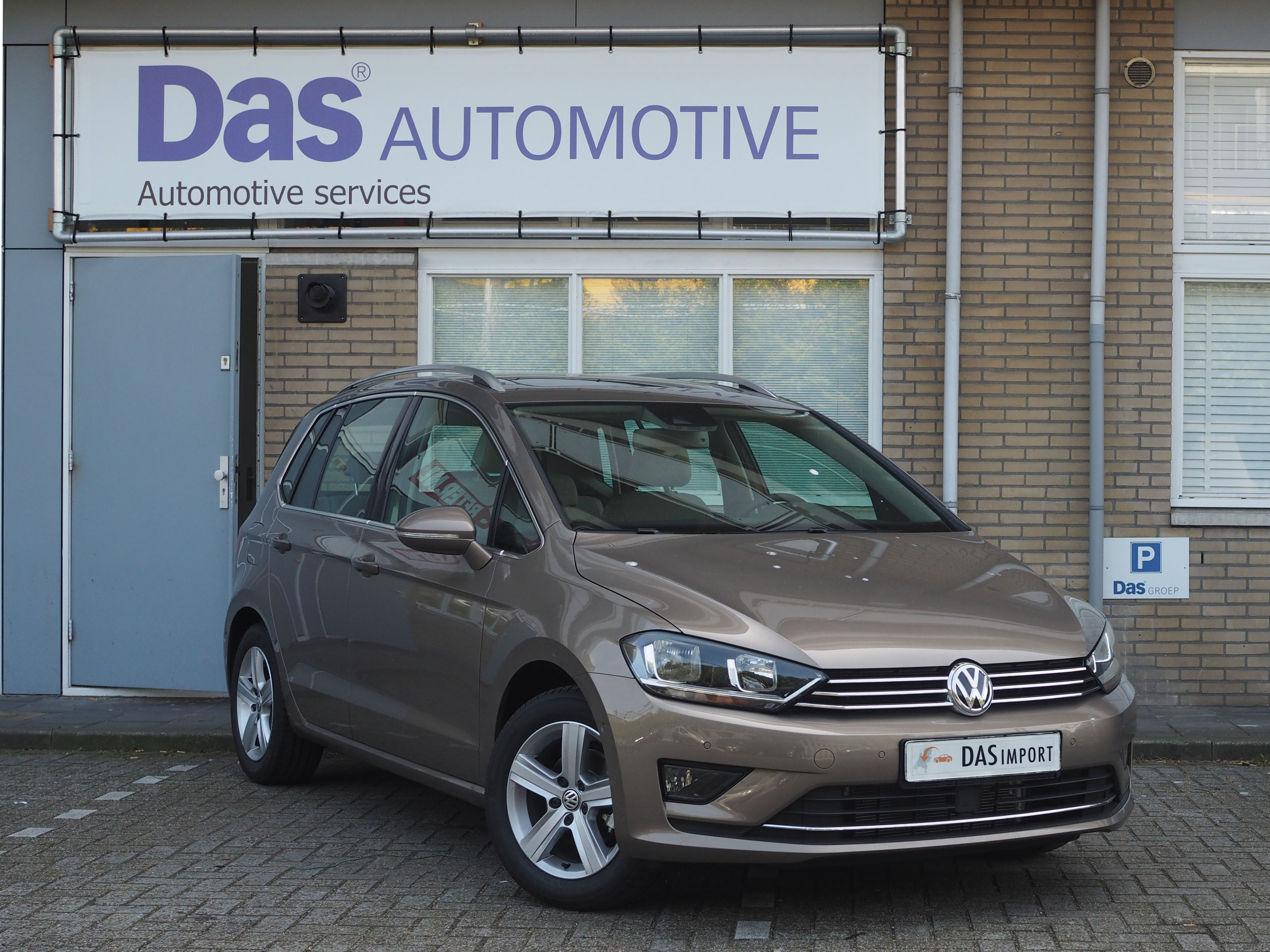 Importauto: Volkswagen Golf Sportsvan 1.2 TSI Highline 4/2015