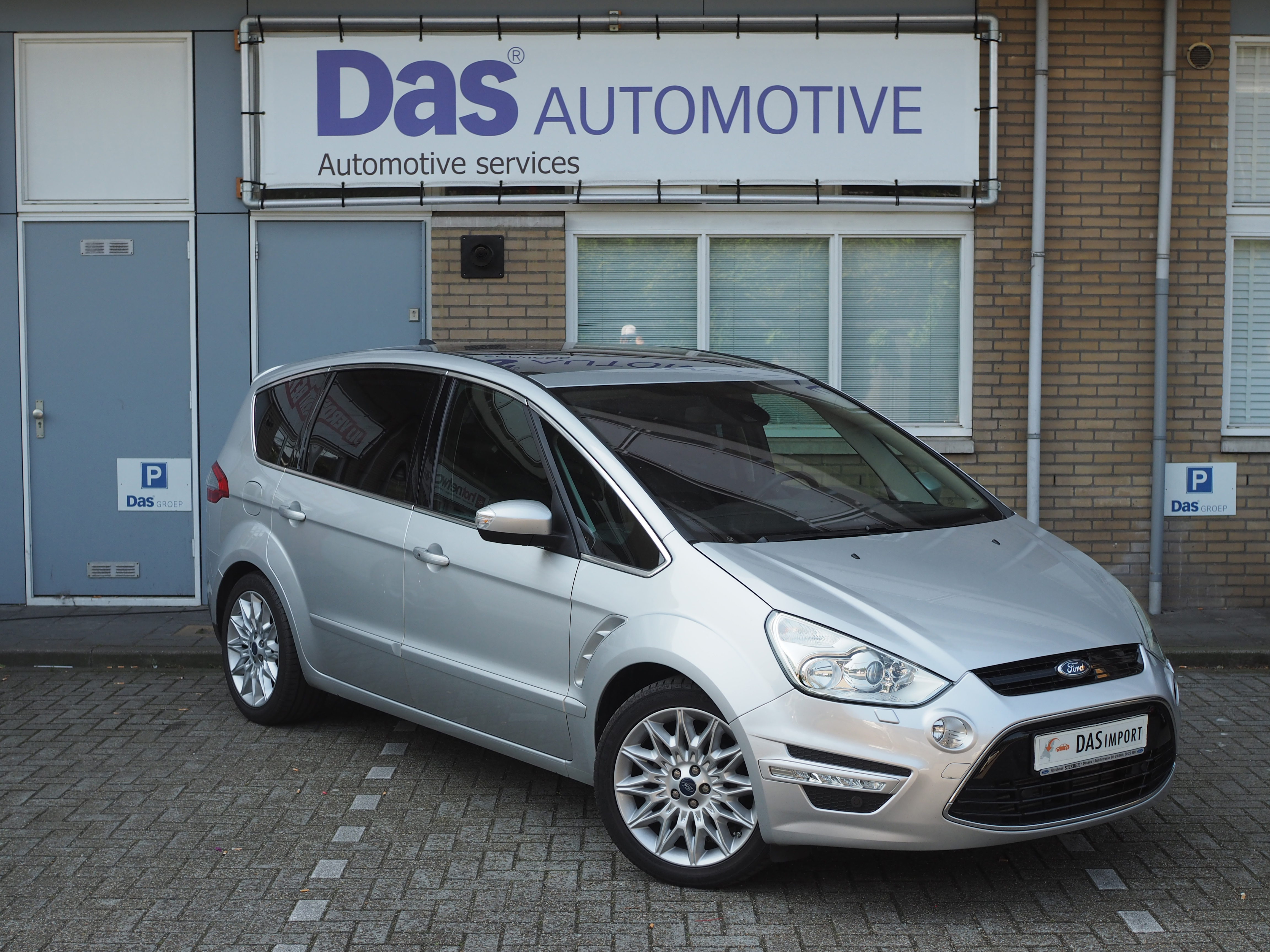 Importauto: Ford S-Max 2.0 16v EcoBoost S Edition 176kW Powershift 3/2014
