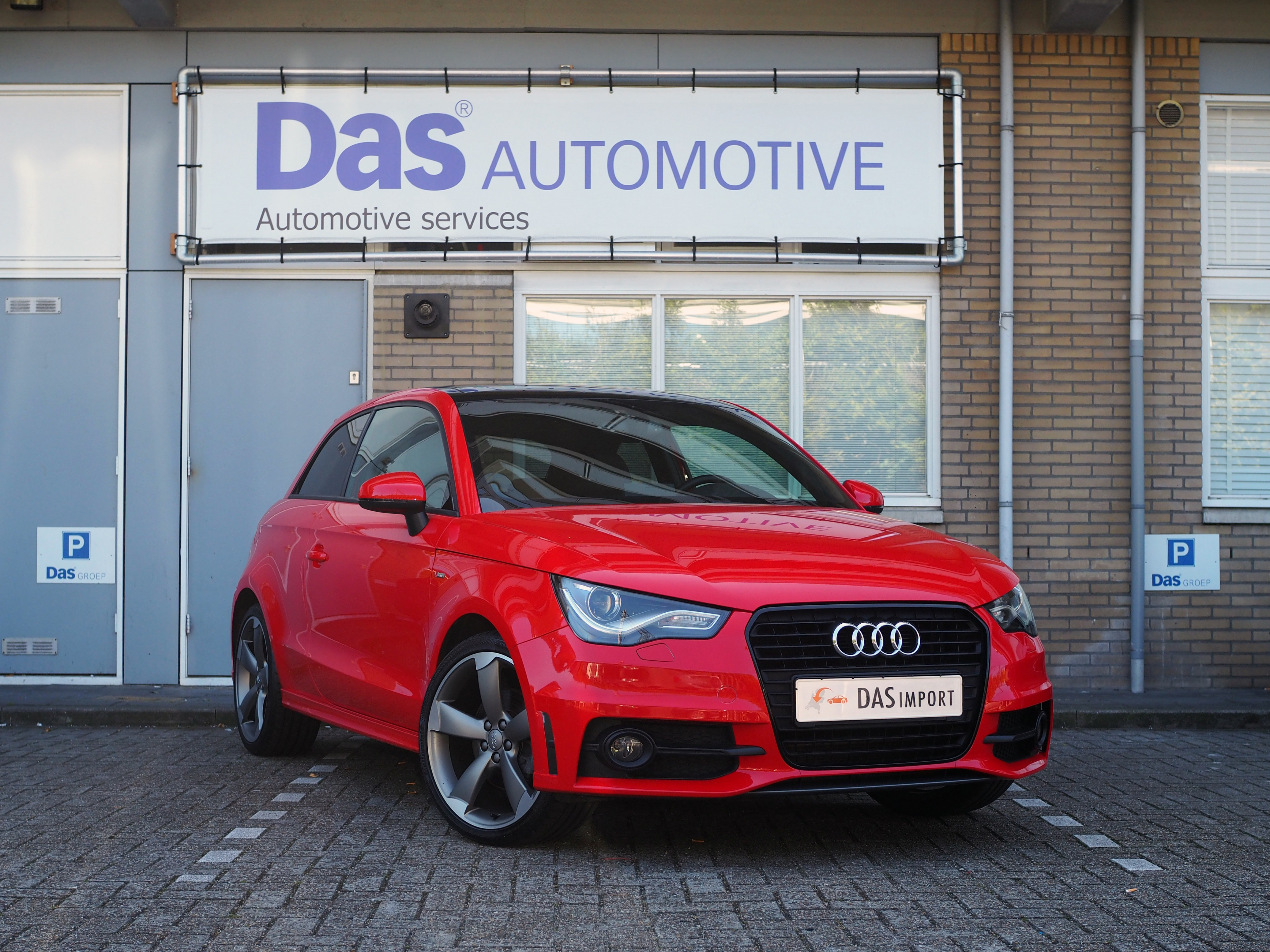 Importauto: Audi A1 1.4 TFSI S-tronic S-line 3/2011