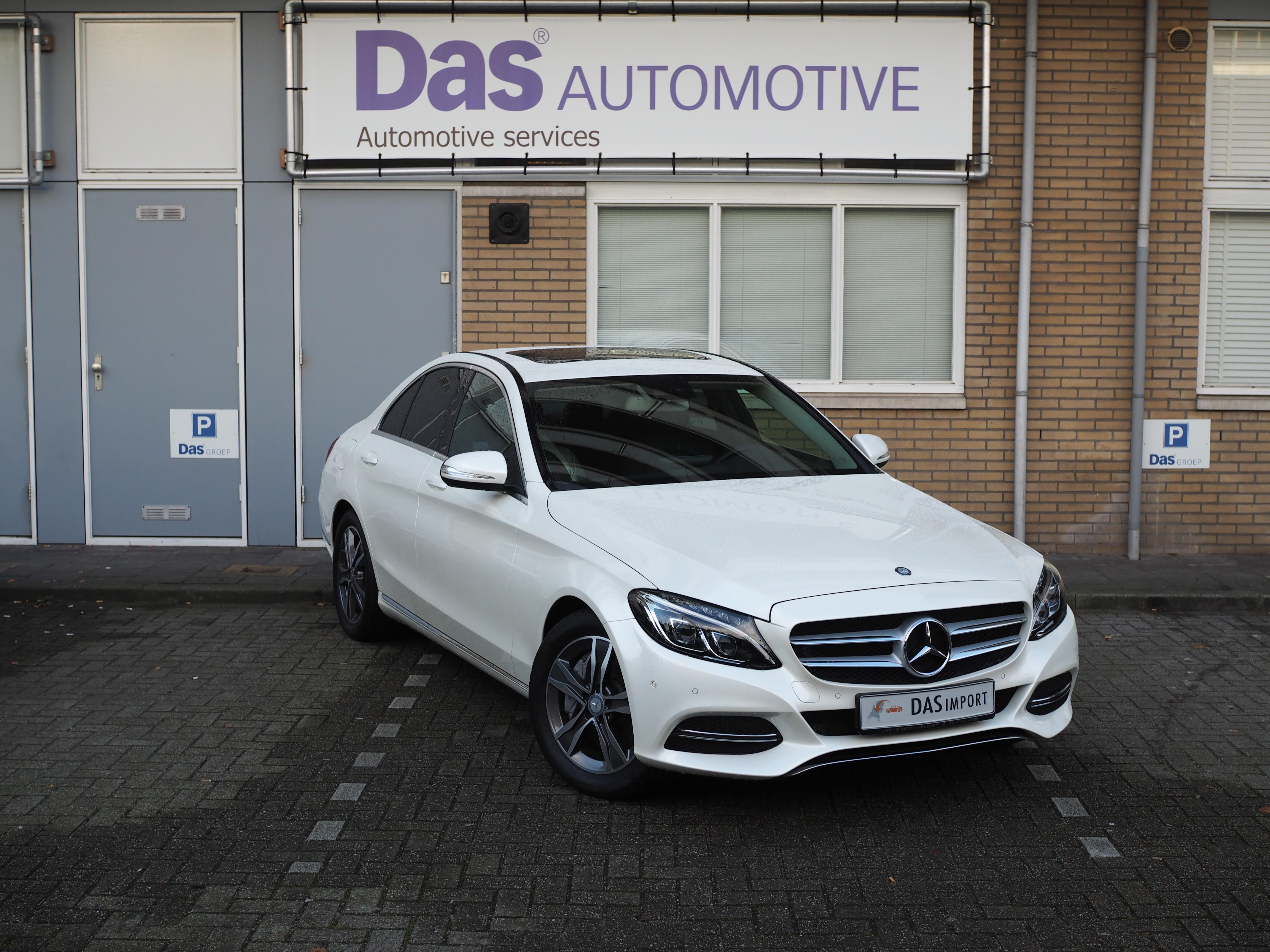 Importauto: Mercedes-Benz C350 e PlugInHybrid Avantgarde 10/2014