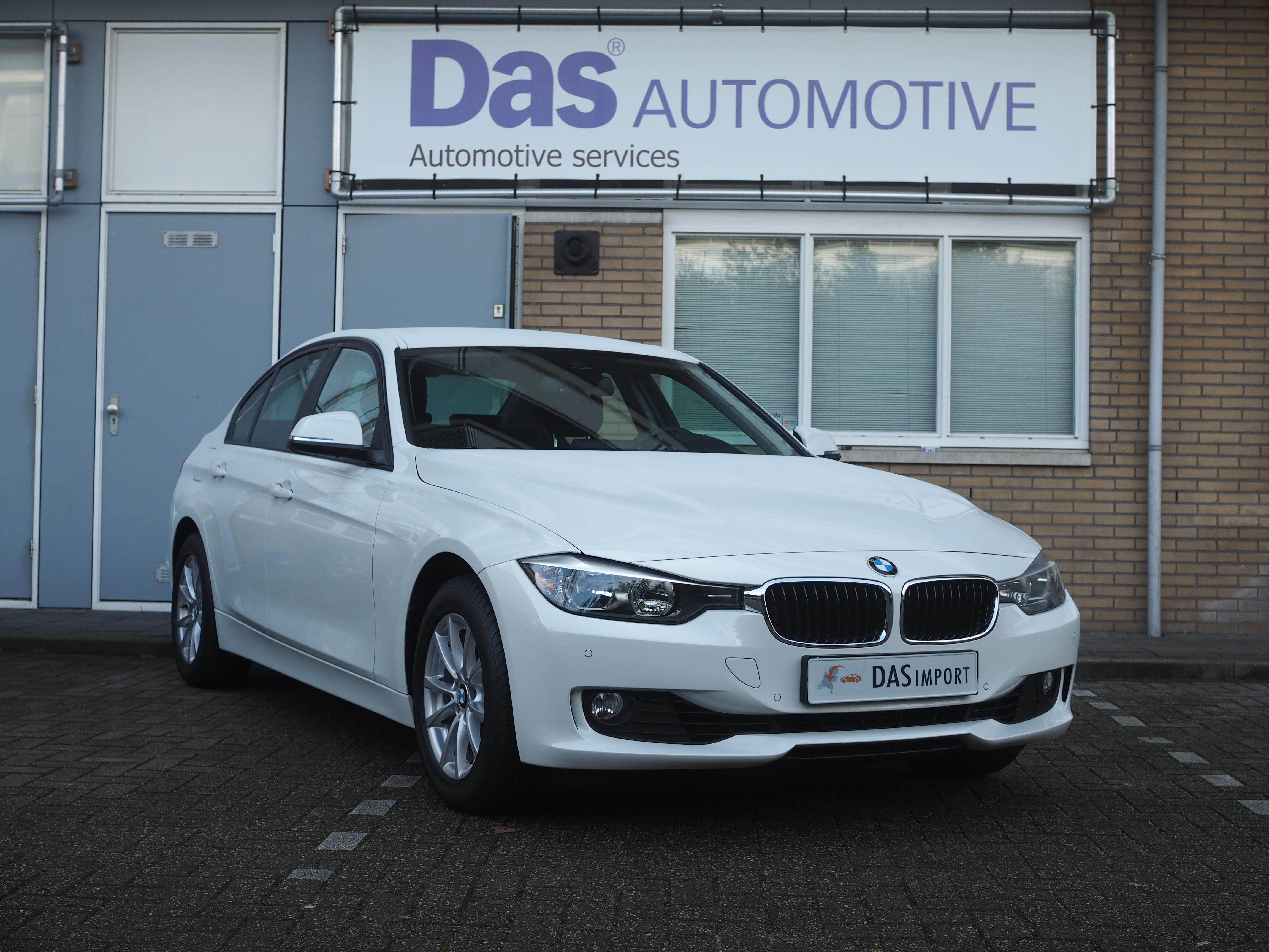 Importauto: BMW 3-Serie Sedan 320iA 9/2012