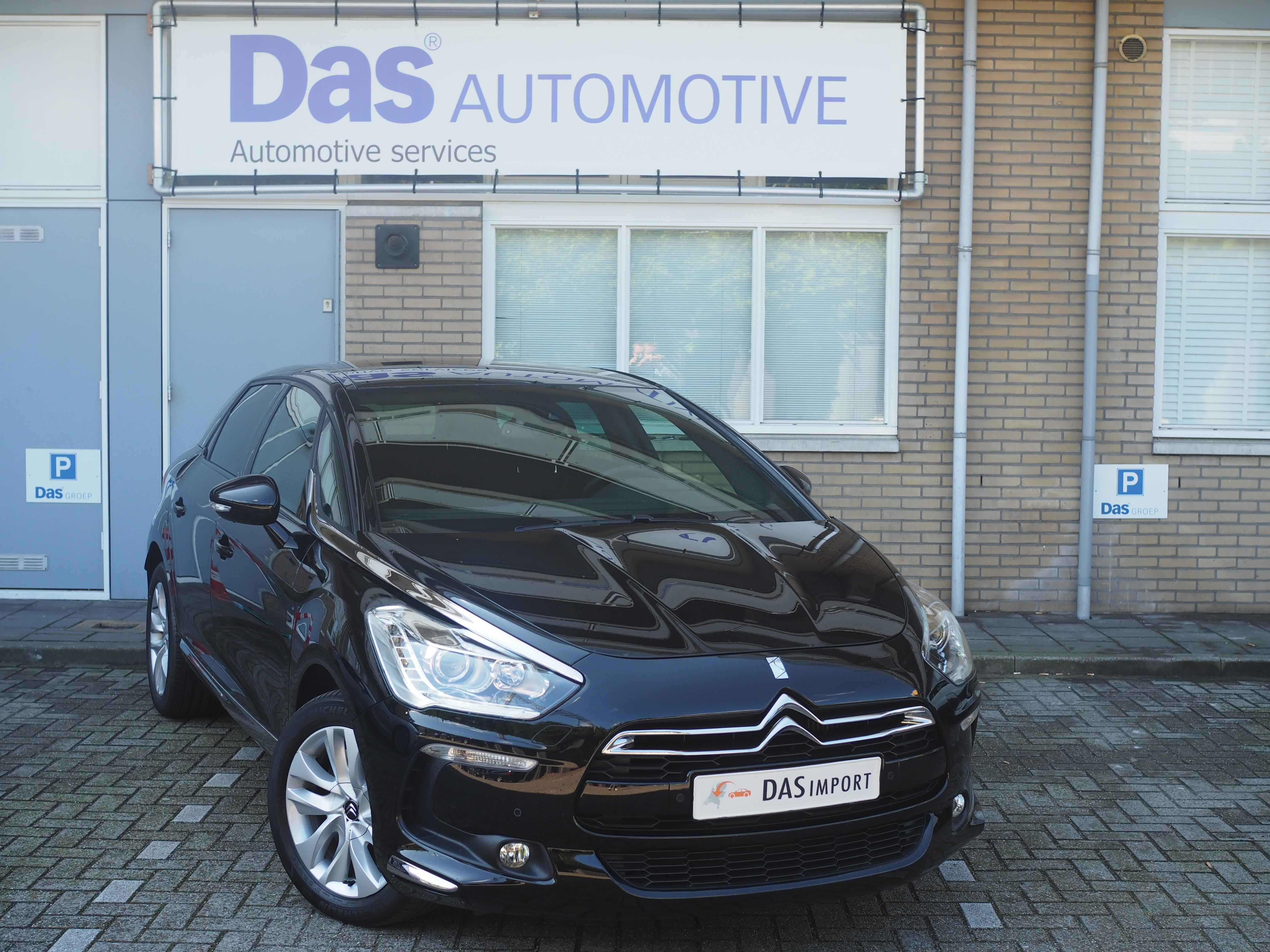 Importauto: Citroën DS5 HDi 165 autom. SoChic  1/2015