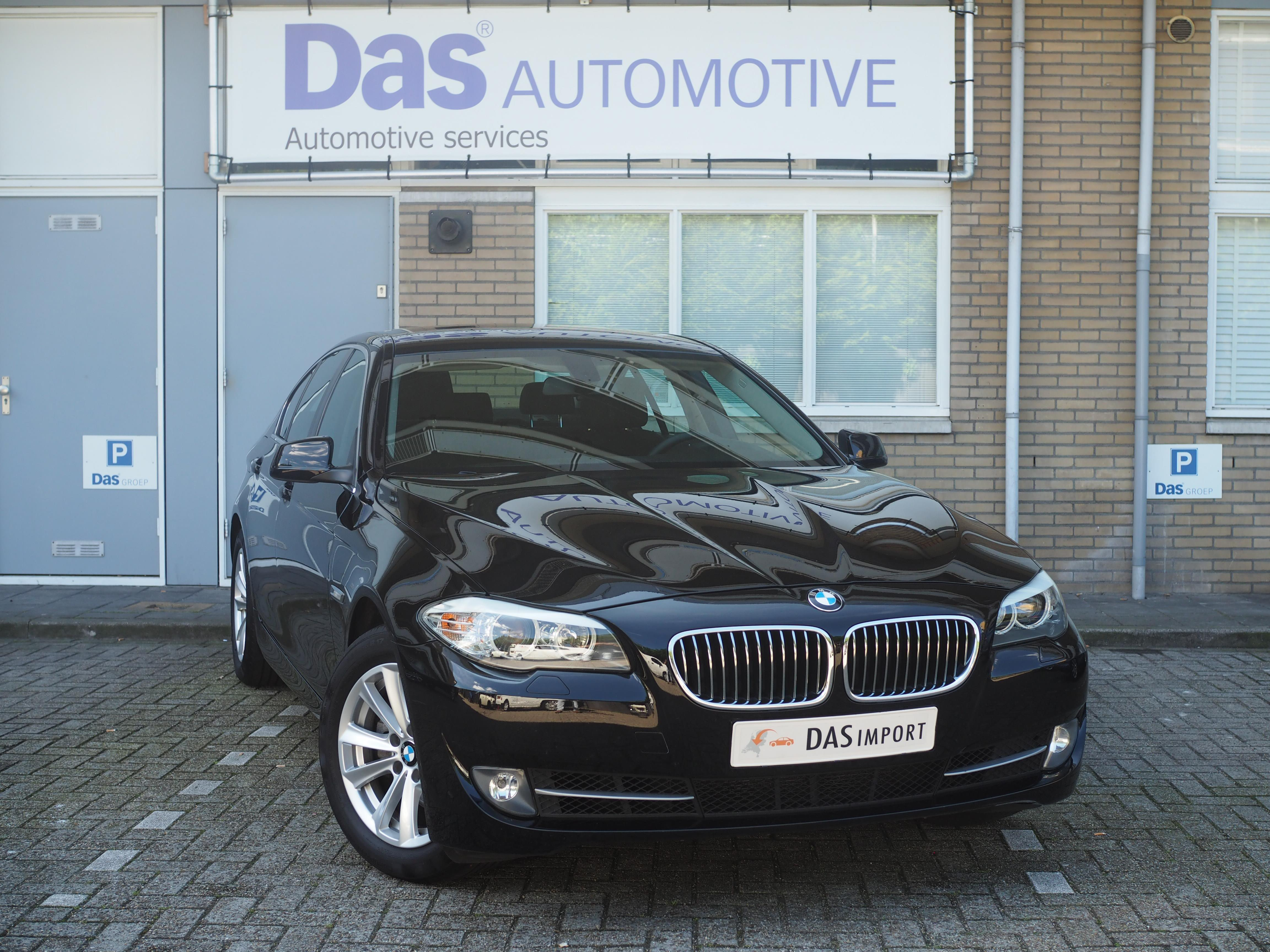 Importauto: BMW  5-Serie Sedan 520iA 2/2013