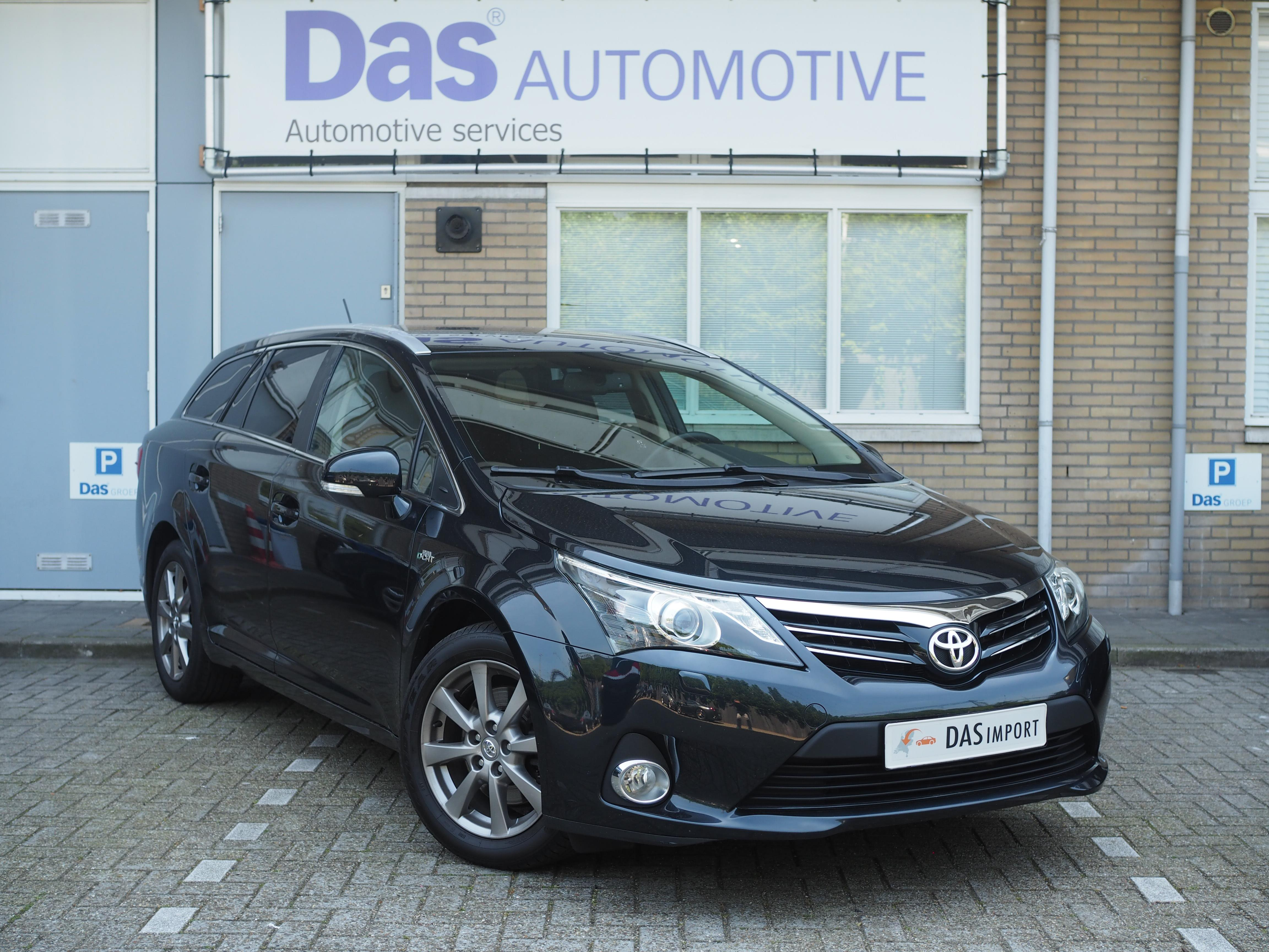 Importauto: Toyota Avensis Combi 2.2 D-CAT Executive 4/2012