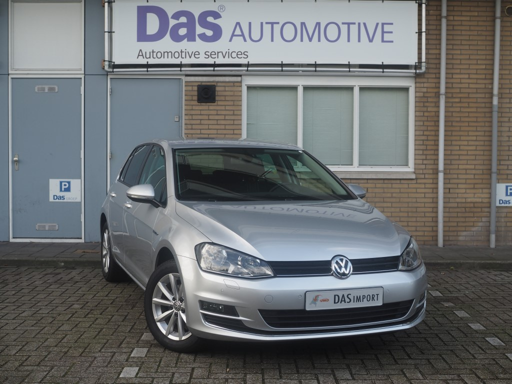 Importauto: Volkswagen Golf VII 1.4 TSI 5d ACT 110kW Business Edition Connected BMT 7/2015