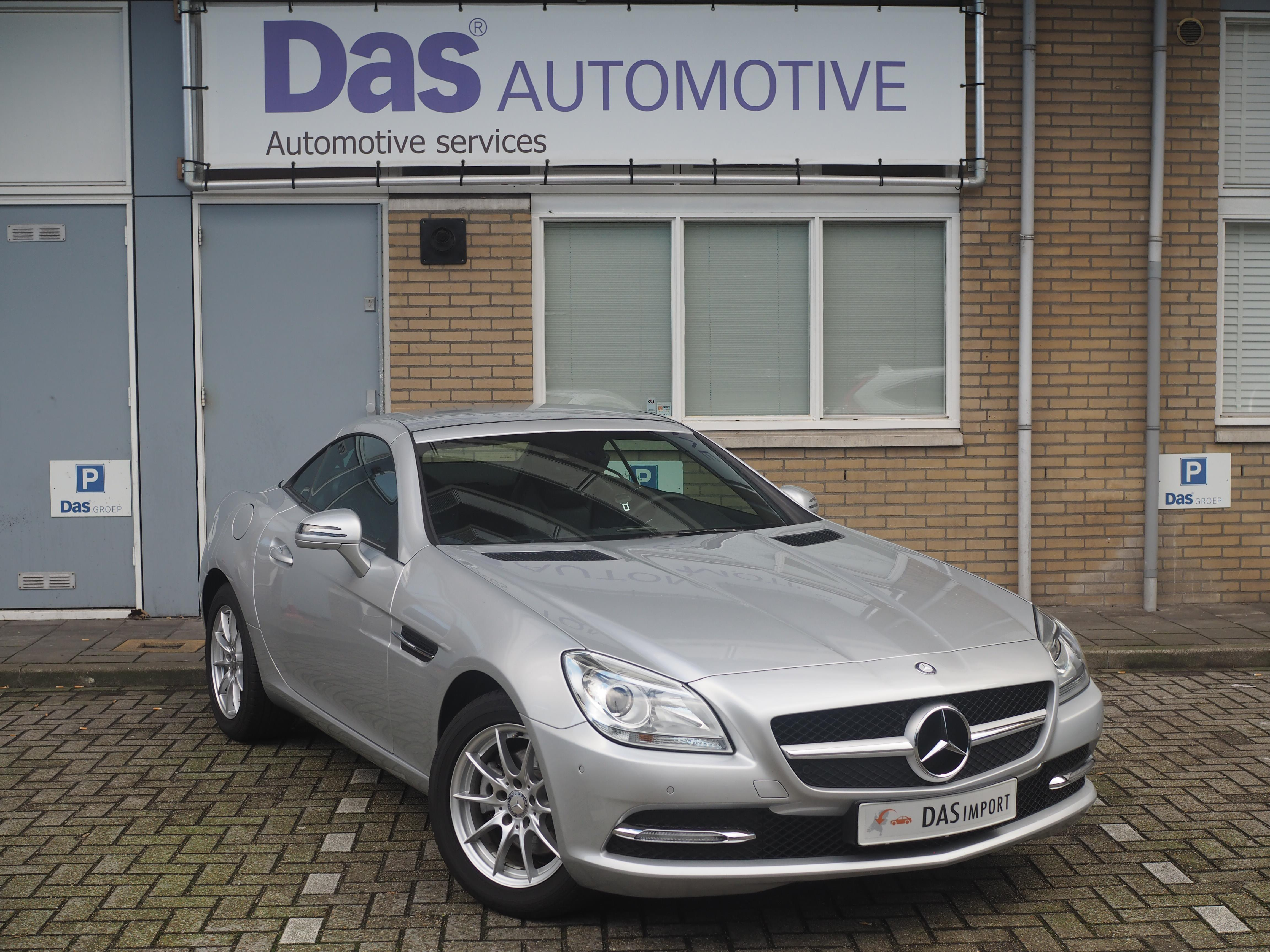 Importauto: Mercedes-Benz SLK 200 BlueEFFICIENCY 10/2011