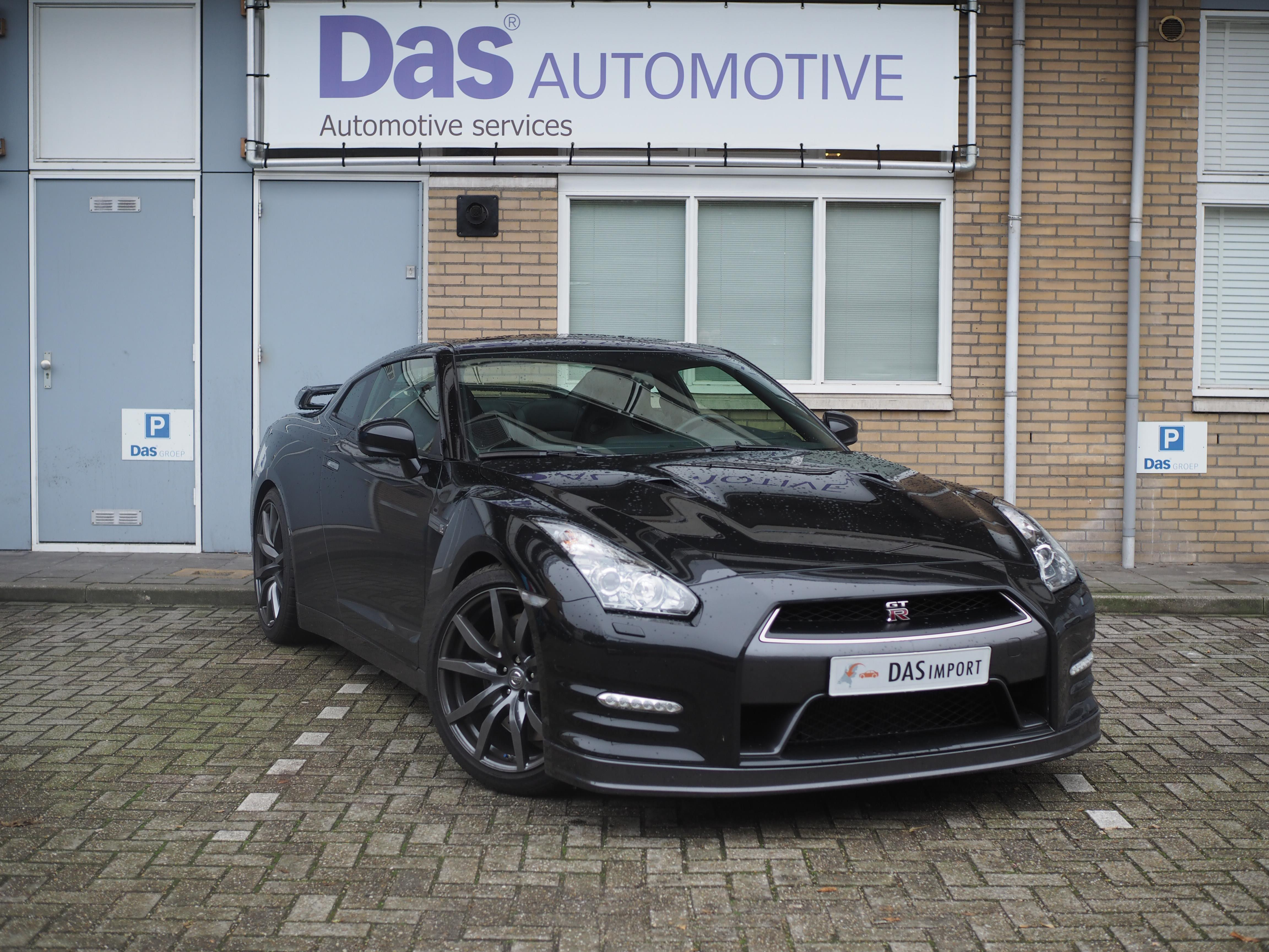 Importauto: Nissan GT-R 10/2012